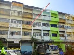 อาคารพาณิชย์ 3.5 ชั้น  ถนนบางนาตราด