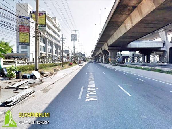 อาคารและโรงงาน ถนนบางนา-ตราด